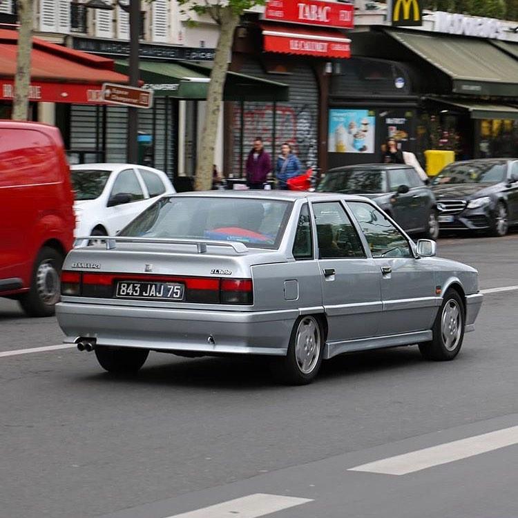 Renault 21 B48
